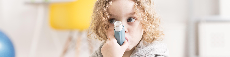 Kind, Atemnot, Asthma, Inhalationsspray