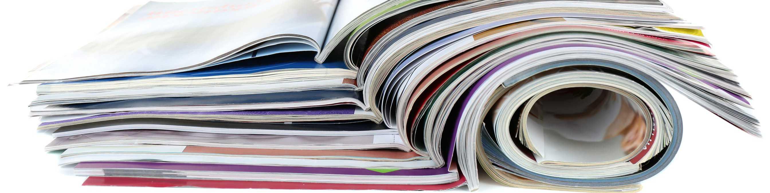 Broschürenstapel, Zeitungen